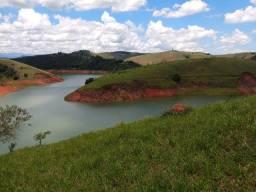 CM seu terreno está aqui bem perto da represa