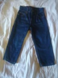 Calça jeans infantil da marca Carter's