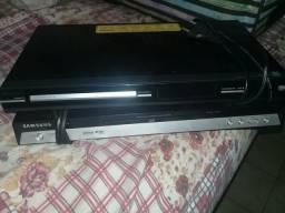 Tenho 2 DVDs Philips e Samsung 100.00cada