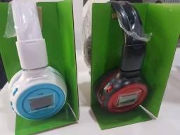 Fones Bluetooth com visor digital