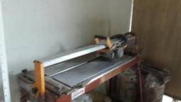 Vende-se Cortadora de piso em perfeito estado 1000 reais