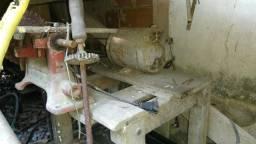 Motor com serra de mesa