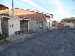 Imóvel no Petrolar: garagem coberta, 2/4, área de serviço, área externa