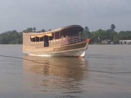 Barco forma de amazonas