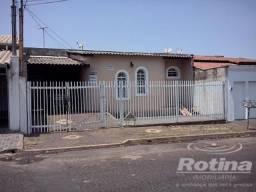 Casa à venda, 3 quartos, 1 suíte, 2 vagas, Brasil - Uberlândia/MG