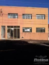 Casa para aluguel, 3 quartos, Bom Jesus - Uberlândia/MG