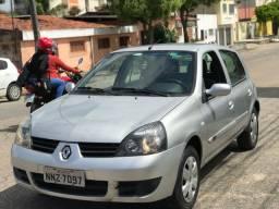 Renault clio 2011 1.0 extra