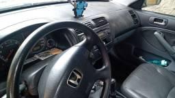 Honda Civic 05 completo e barato.