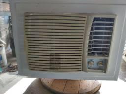 Ar-condicionado $300