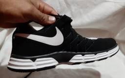 Nike couro original n42 comprado nós E.U.A usado 1x vai Brinde 2polos conservados