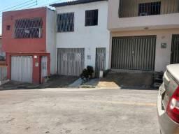 Vendo excelente residência no Bairro Vila Alta