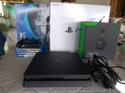 Vendo PlayStation 4 - 500GB - 1 Controle e 4 Jogos mídia física + Headset Razer Kraken