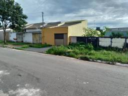 VENDO um lote no J. Itaipu Goiânia