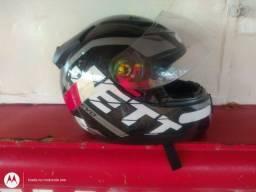 Vendo capacete seminovo 2 meses de uso