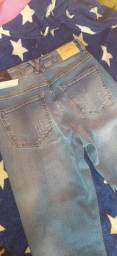 Vendo três calças de marca novas
