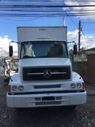Caminhão 1620, bau