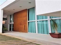 Título do anúncio: Casa com 4 Quartos à Venda, 484 m² por R$ 3.200.000.