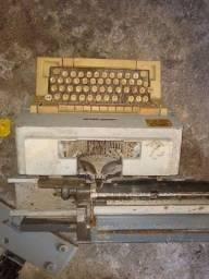 Máquina de escrever estragada!