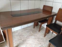 Mesa sem cadeiras