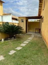 Vende-se casa de frente à Praia