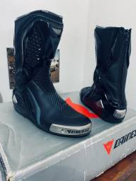 Vendo bota  Dainese pro torque out e bota Alpinestars Smx