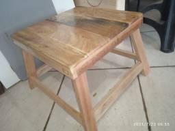 Banco de madeira reforçado
