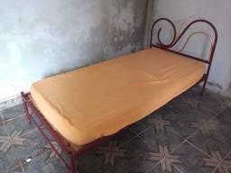 Cama de ferro com cama