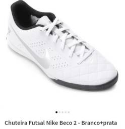 Título do anúncio: Tênis Nike MUITOOO NOVO