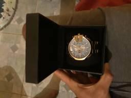 Vendo esse relógio da diesel 10 BAR 400 reaia