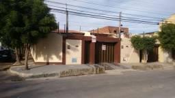 Casa plana no Luciano Cavalcante