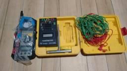 Alicate amperímetro e terrometro
