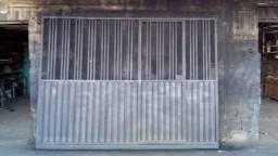 Portão de 3 metros por 220 de altura