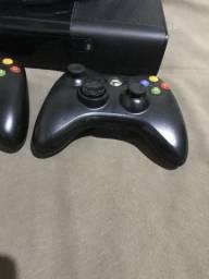 Vendo Xbox 360 super slim 450,000