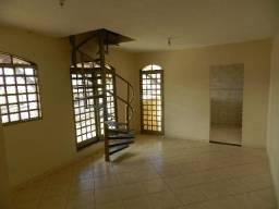 Otima duplex em taguatinga com 02 quartos