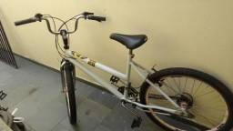 Linda bicicleta aro 26 rodas aero pneus novos $250.00