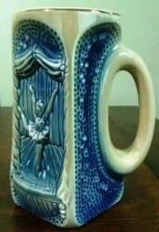 2 Canecas Chopp - Antiguidade - Porcelana trabalhada Bailarina
