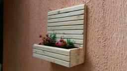 Jardineiras em madeira