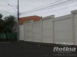 Terreno à venda, 2 quartos, Santa Mônica - Uberlândia/MG