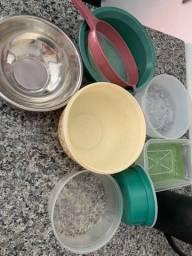 Utensílios de cozinha + garrafa térmica + bandejas e talheres