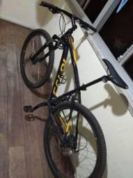 Bicicleta Caloi novinha 40 dias de uso com nota fiscal da loja..