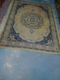 Vendo uma tapete usado estampado 140 por 2000