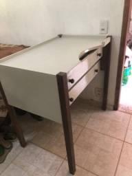 Mesa de ourives/artesão com duas gavetas, madeira revestida em fórmica