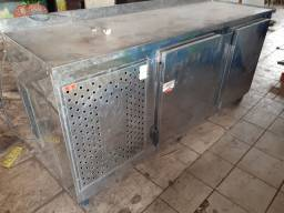 Balcão Encosto Refrigerado em Inox, usado.