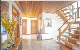 Casa com 4 dormitórios sendo 2 suítes e com 5 vagas de garagem. No bairro de Sumaré