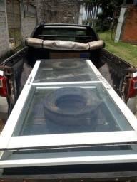 Porta de vidro 1,5mm estrutura de alumínio