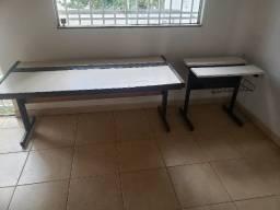 Conjunto de Cadeiras e Mesas para Escritório e Peças Diversas