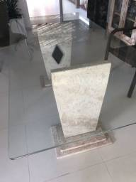 Mesa de vidro com pés em granito Bege Bahia