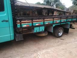 Caminhão 710 / 1998
