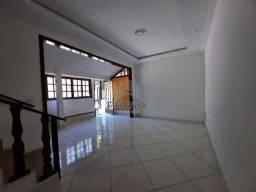 RR 11 Alugo anual, casa em condomínio em Porto da Roça, com 2 quartos e 2 banheiros