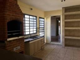 Casa de 3 quartos para locação, 380m2